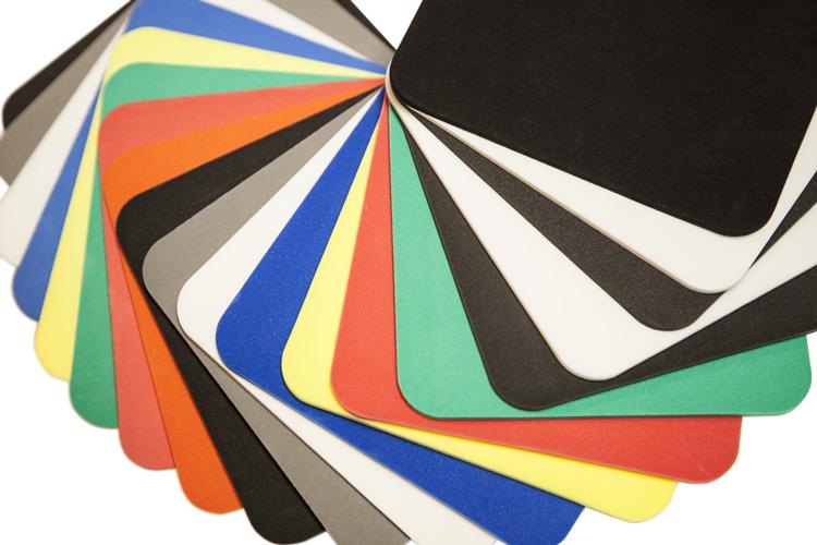 Schaumstoffe gibt es in den verschiedensten Ausführungen und Farben, zweckgebunden oder frei wählbar. Fragen Sie uns!