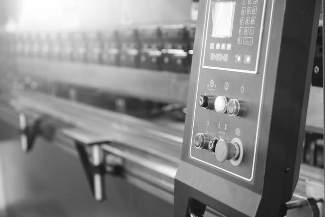 Unser Entwicklungsnetzwerk basiert auf allen technischen Finessen der Kreation, Konstruktion und Produktion. Schweissen, kleben, laminieren und bedrucken ...